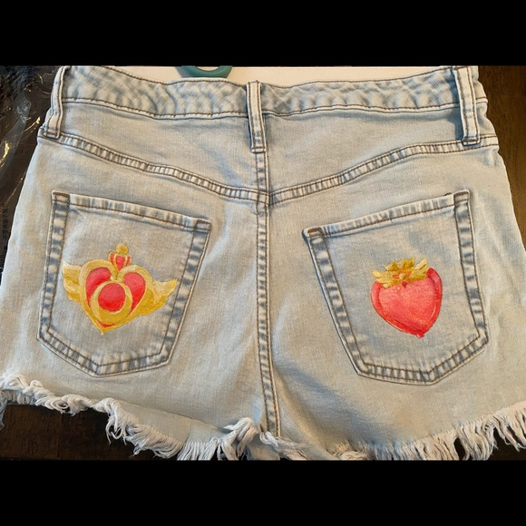 Wild Fable Size US 6 Sailor Moon Shorts